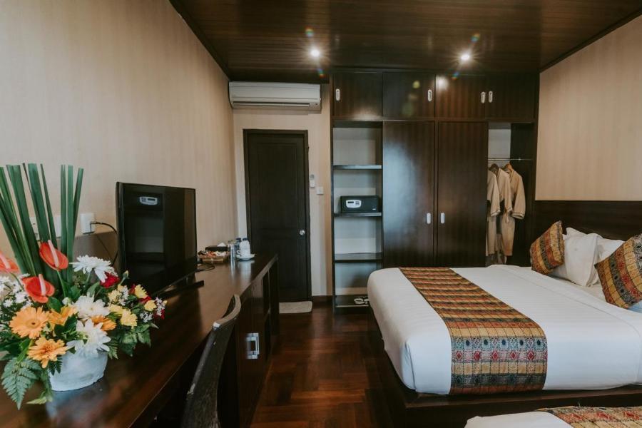 family-suite-twin-bedroom-1